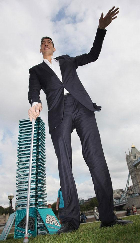صوره اطول رجل في العالم , بالصور اطول رجل فى العالم