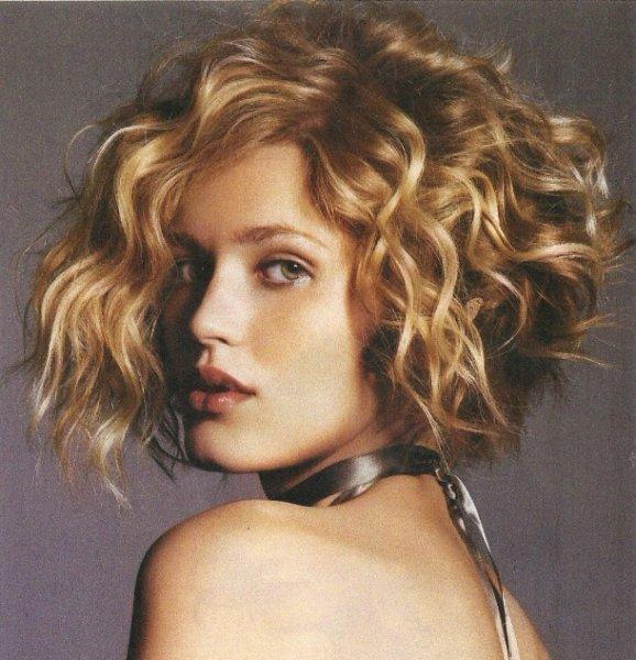 بالصور قصات شعر جديده للنساء , اجدد قصات الشعر واحدث موضة لكل البنات 1474 2