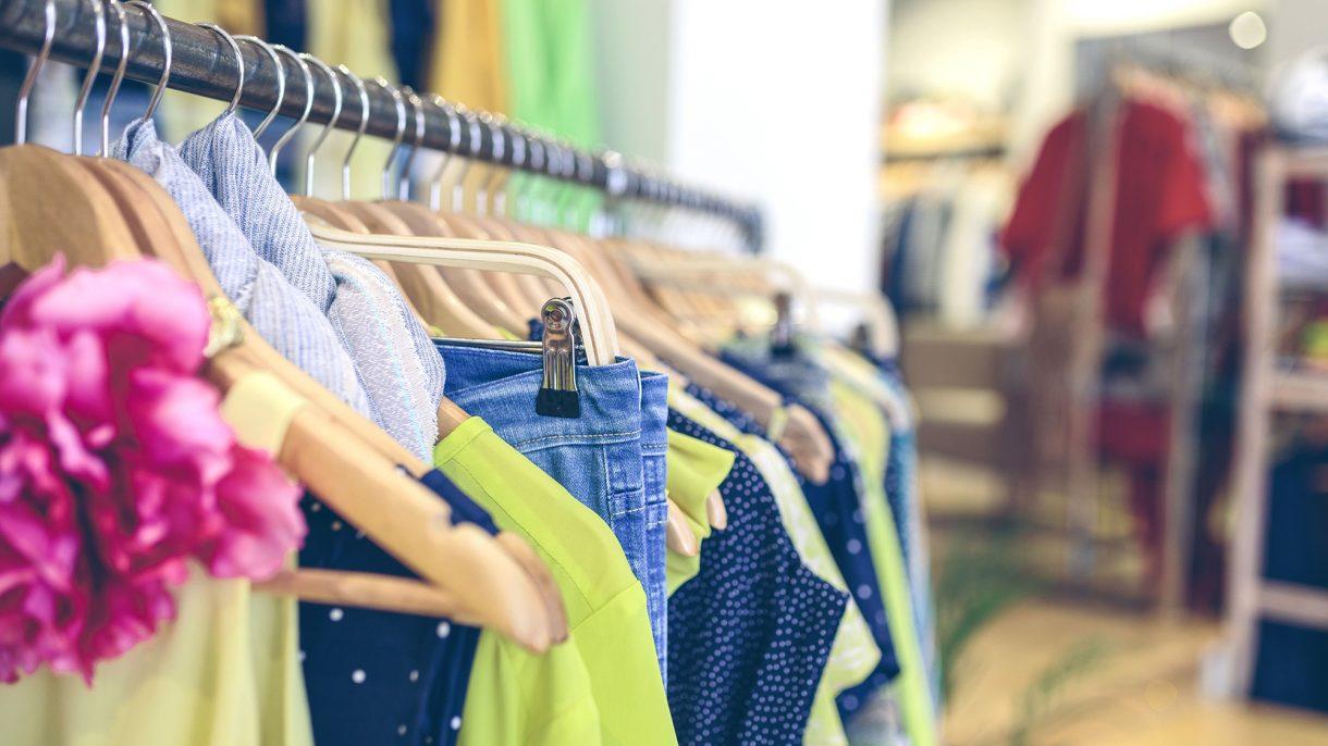 صورة تسوق ملابس , كيفية شراء الملابس اون لاين 1498