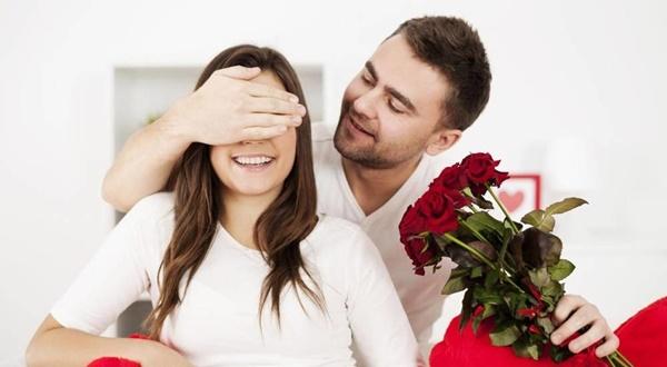 بالصور كيف تجعلين الرجل يحبك ويتعلق بك , افضل طريقة لخطف قلب الرجل وتجعليه يحبك 2009 2