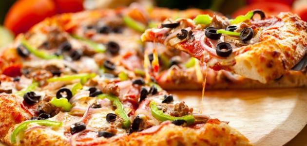 بالصور كيفية تحضير البيتزا , البيتزا في البيت بطريقة سهلة 2703