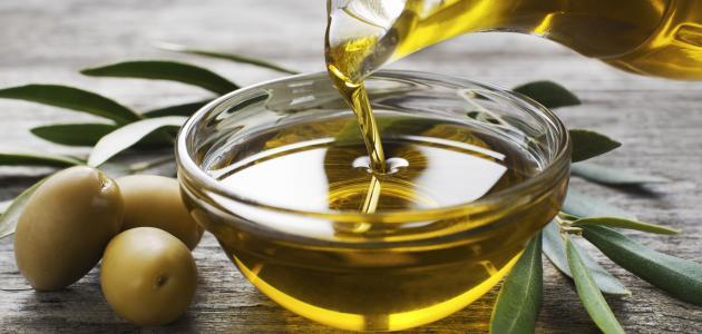 صورة فوائد زيت الزيتون , 5 وصفات مذهلة لزيت الزيتون للشعر 2755