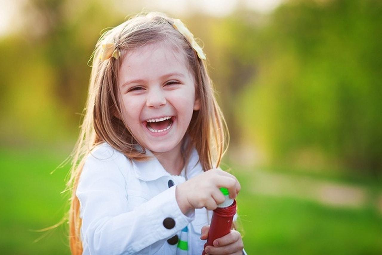 بالصور صور بنات بتضحك , الصور التي تظهر ضحكات البنات 3289 9