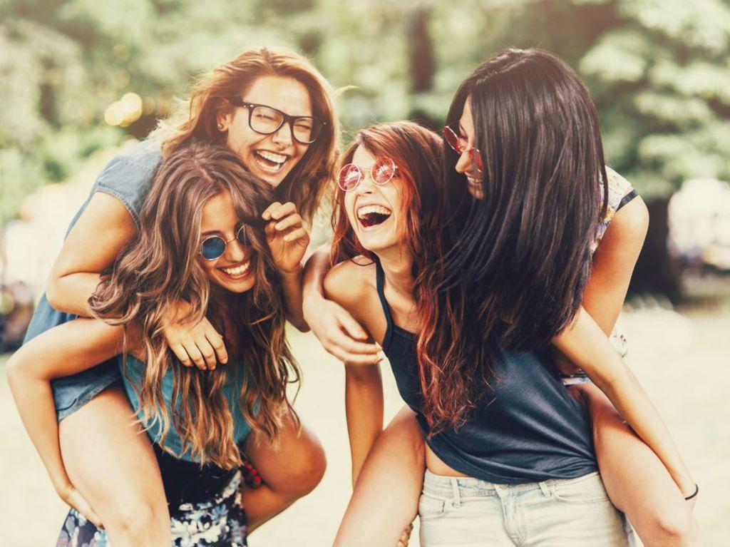بالصور صور بنات اصدقاء , اجمل صور الصداقه 3900 1