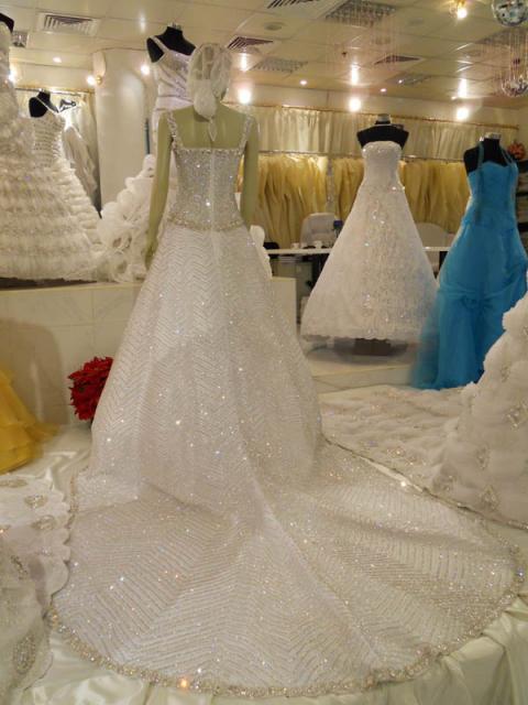 بالصور صور فساتين عرس , احدث الفساتين للعرايس 4300 7