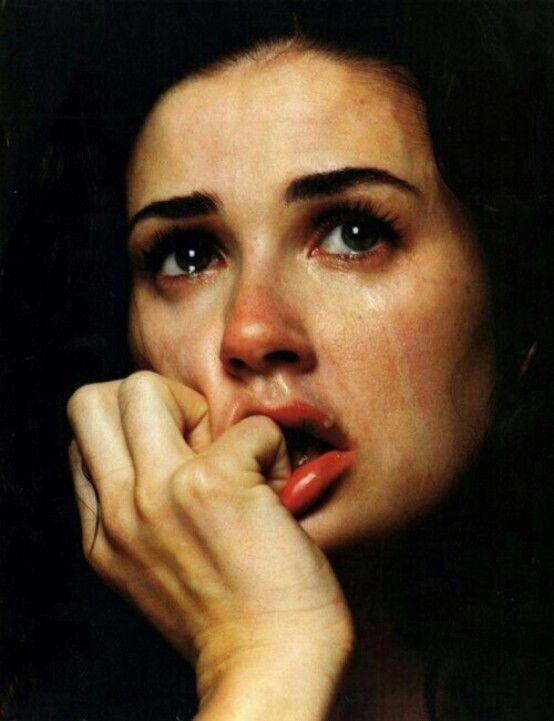 بالصور اجمل الصور الحزينة للبنات , خلفيات وصور حزينه 5696 3