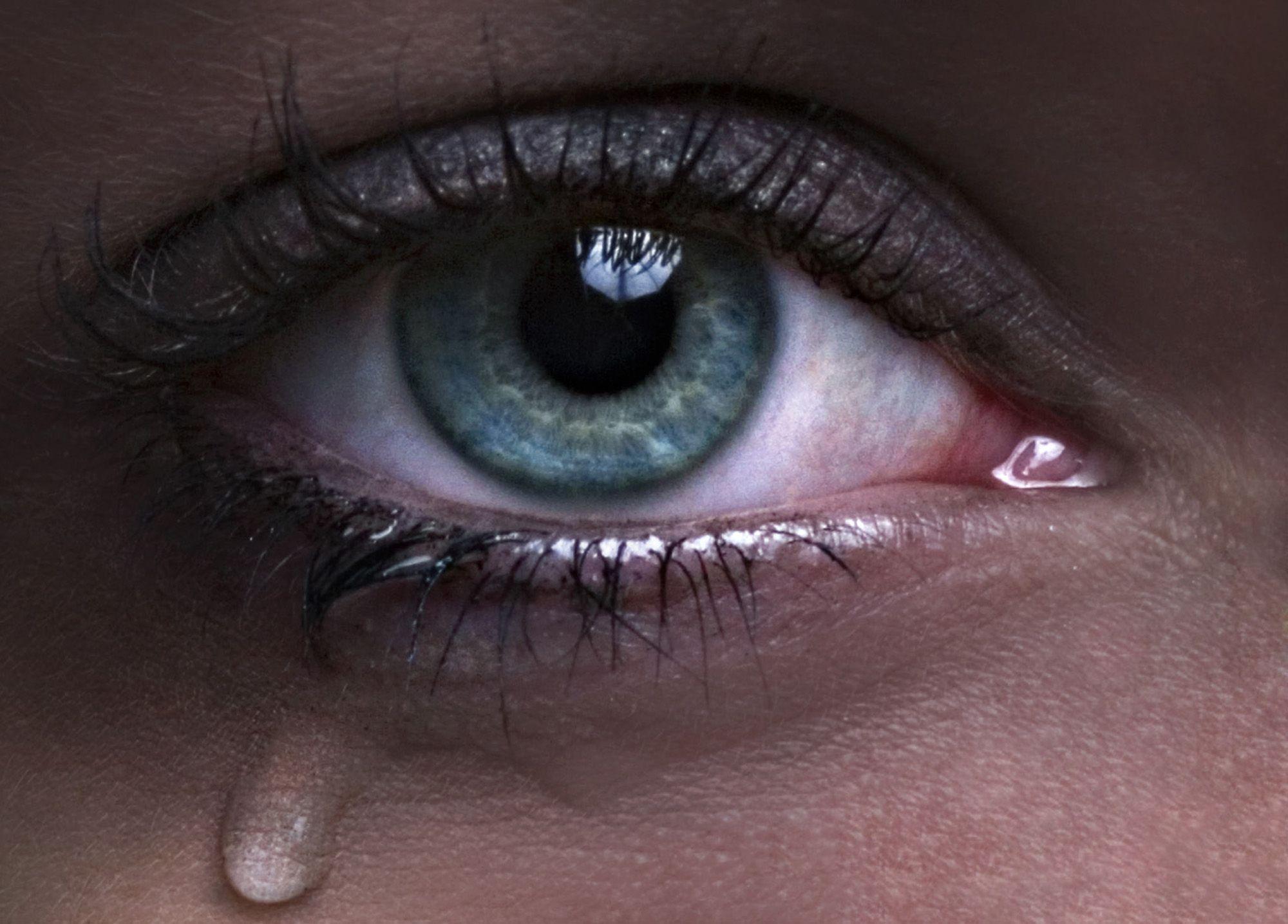 صورة صور عيون تدمع , صور حزن ودموع