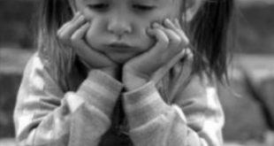 صور طفلة حزينة , اجمل بنوته حزينه