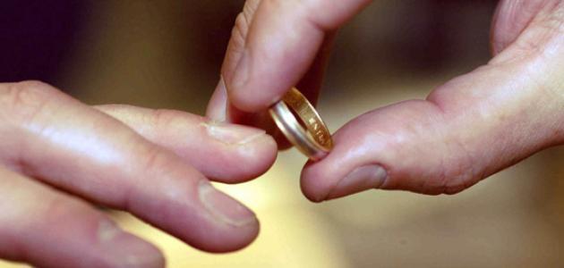 صورة تفسير حلم الخاتم الذهب للمتزوجة , تفسير رؤية الخاتم الذهب للمتزوجة في المنام 670 2