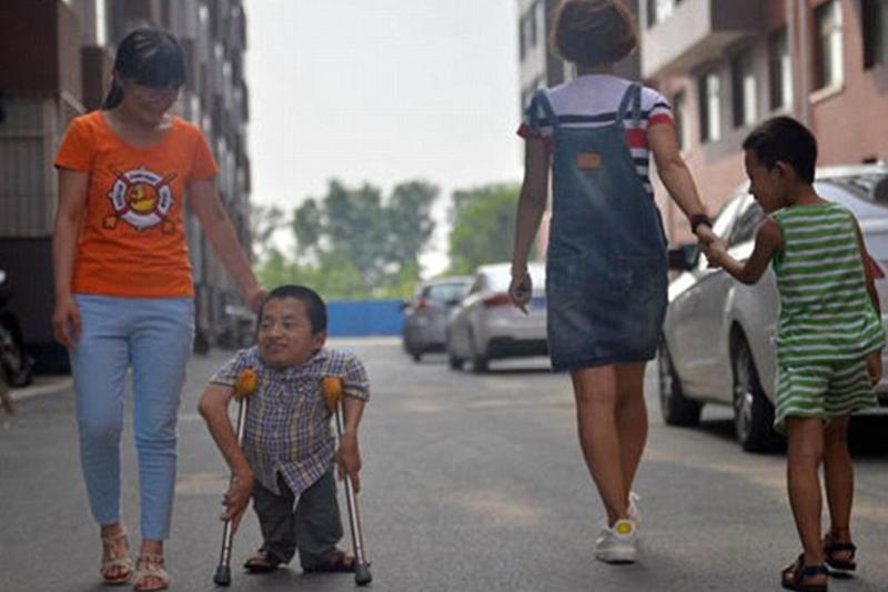 صوره اقصر رجل في العالم , من هو اقصر رجل في العالم