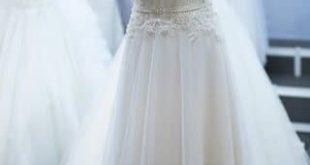 صورة حلمت انى ارتدى فستان زفاف وانا متزوجه , تفسير حلم ارتداء الفستان الابيض بالمنام