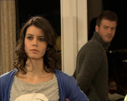 بالصور قبلات العشق الممنوع , قبلات مسلسل العشق الممنوع التركي 12504 2