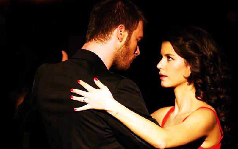 بالصور قبلات العشق الممنوع , قبلات مسلسل العشق الممنوع التركي 12504 7