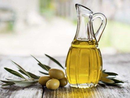 صورة علاج الاذن بزيت الزيتون , فوائد زيت الزيتون لعلاج الاذن 12669 1