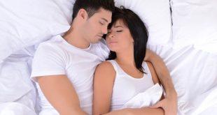 صورة افضل طريقه للنوم في حضن الزوج , نوم الزوجين ممع بعضهما لبعض