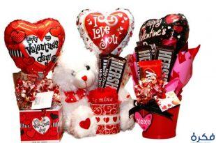 صورة صور هدايا عيد الحب , اجمل صور المعبرة عن عيد الحب بالهدايا