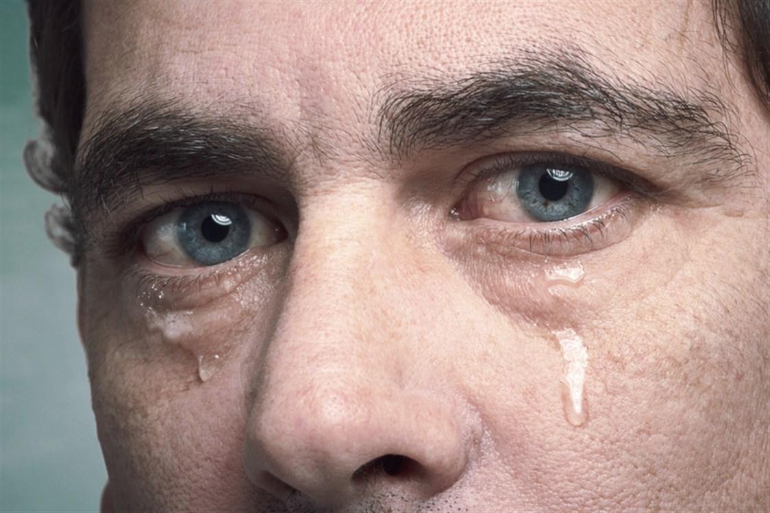 صورة ماهي اسباب دموع العين 11765 2